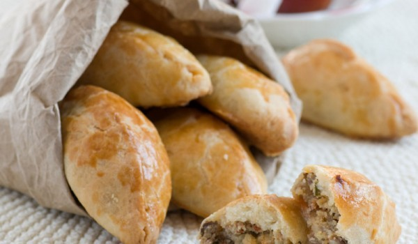 Пухкави пълнени хлебчета