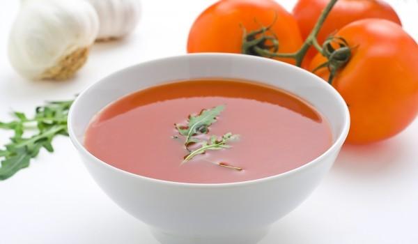 Доматена супа с царевица