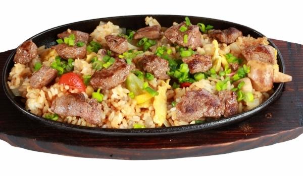 Свински пържоли с ориз на фурна